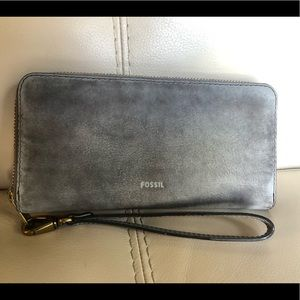 Fossil Grey Distressed Leather Wristlet Wallet Bag